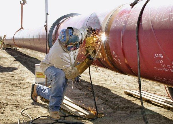 SMAW Welding on a Pipeline